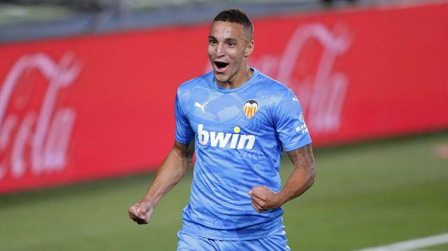 Valencia mengumumkan dua personel tim mereka dinyatakan positif Covid-19, sehari setelah kembali latihan pramusim.