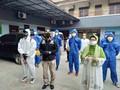 Kemnaker Adakan Penyemprotan Disinfektan di Cakung