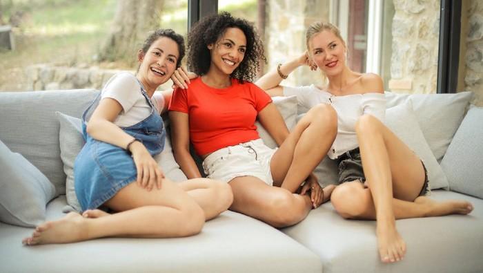 Dapatkan Manfaat Berikut, Ini 5 Alasan Enaknya Ngekos Berdua dengan Teman!