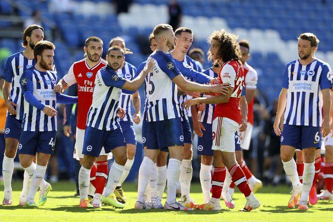 FOTO: Brighton vs Arsenal Berakhir Ricuh