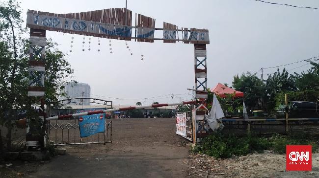 Gubernur DKI Jakarta Anies Baswedan membangun kembali Kampung Akuarium yang dahulu digusur Basuki Tjahaja Purnama atau Ahok.