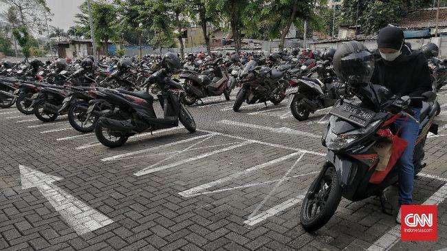 Dinas Perdagangan dan Perindustrian DKI Jakarta mengeluarkan aturan teknis soal operasional industri, mal hingga pasar selama PPKM darurat. Berikut isinya.