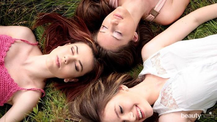 Kelebihan dan Kekurangan Sahabat yang Suka Memendam