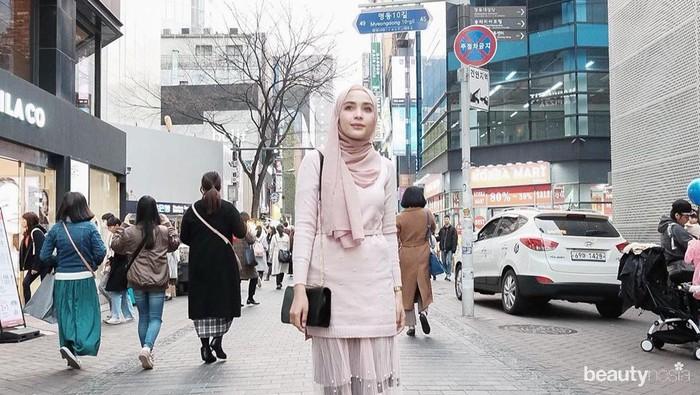5 Ide Mix and Match Stocking dan Busana Hijab agar Tetap Santun
