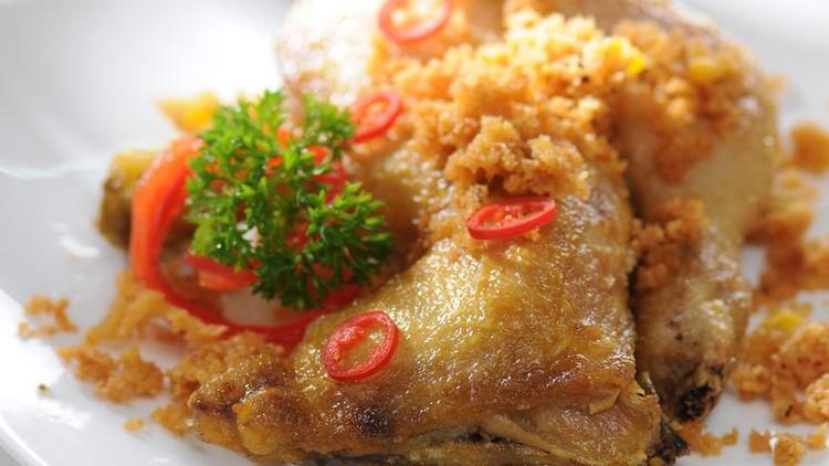 Ayam Goreng Lengkuas / Galangan Fried Chicken