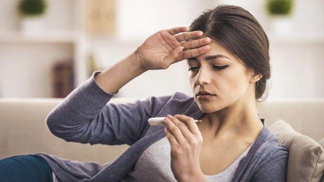 Demam jadi respons tubuh saat melawan infeksi. Cara mengatasi demam yang tepat bisa membantu penanganan berjalan maksimal.