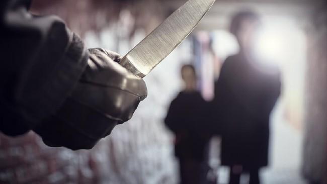 4 Warga Ditusuk saat Asyik Nongkrong di Cibubur