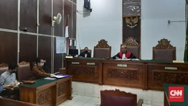 Polisi Mangkir, Praperadilan Ravio Patra Ditunda 2 Pekan