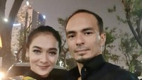 <p>Ananda Faturrahman atau lebih dikenal dengan nama Ananda Lontoh menikah dengan Attar Syah pada 2004 silam. Sudah 16 tahun, rumah tangga pun adem ayem dan jauh dari gosip miring. (Foto: Instagram @ananda_faturrahman)</p>