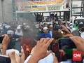 DPR Minta Polri Usut Aksi Bakar Bendera PDIP di Demo RUU HIP