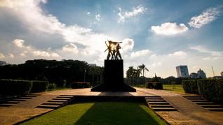 Menguak Kisah Lima Patung yang Bersemayam di Monas