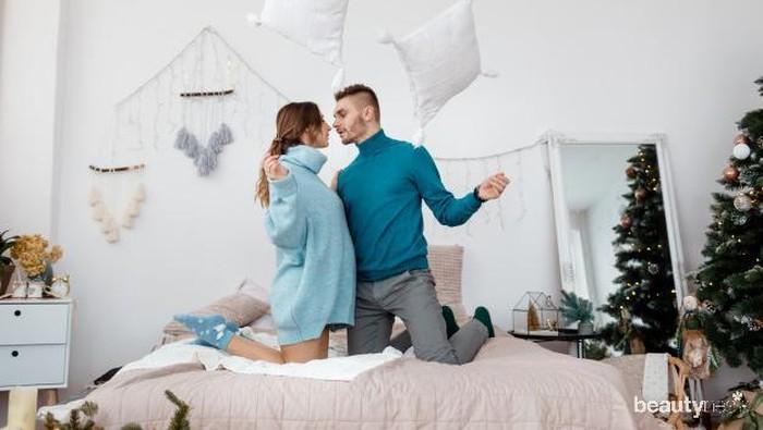 6 Tips Bikin Pasangan Betah di Ranjang