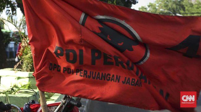Bendera PDI Perjuangan.