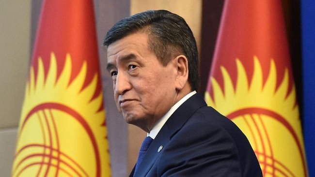 Kyrgyz President Sooronbay Jeenbekov attends his end of the year press conference at the Ala Archa state residence in Bishkek on December 25, 2019. (Photo by Vyacheslav OSELEDKO / AFP)