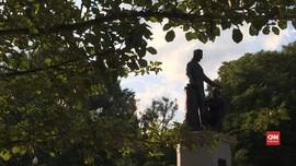 VIDEO: Demonstran AS Desak Turunkan Patung Abraham Lincoln