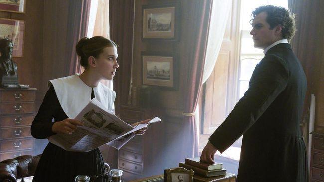 Dua bintang utama Enola Holmes yaitu Millie Bobby Brown dan Henry Cavill akan kembali berperan dalam film sekuel.