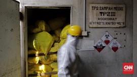 FOTO: Pemusnahan Sampah Medis 'Infeksi' Corona