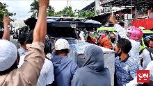 Polisi Tolak Bebaskan Pengambil Paksa Jenazah Corona di Ambon