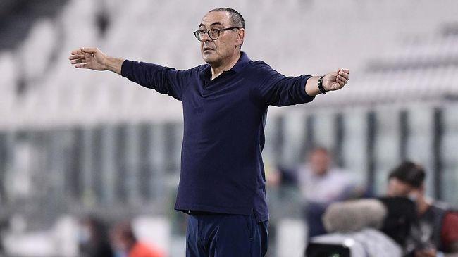 Para fan di media sosial meramaikan tagar #SarriOut meminta Juventus segera memecat Mauruzio Sarri sebelum laga Liga Champions.