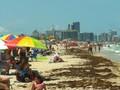 VIDEO: Kasus Covid-19 Tinggi, Warga Florida Padati Pantai