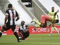 FOTO: Manchester City Lolos, Semifinal Piala FA Panas