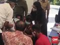 DPRD Surabaya Bela Sujud Risma: Pemimpin Memang Harus Begitu