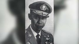 Polisi Jujur Versi Gus Dur Itu Bernama Jenderal Hoegeng