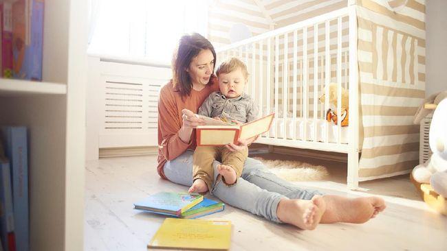7 Manfaat Membaca Buku untuk Anak, Bunda Perlu Tahu