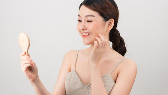 Tips Pakai Sunscreen Sebelum Makeup Tanpa Bikin Wajah Berminyak