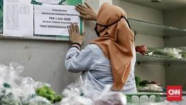 Larangan Kantong Plastik Diklaim Bikin Pedagang Irit