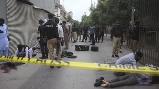 FOTO: Kantor Bursa Efek Pakistan Diserang Kelompok Bersenjata
