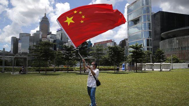 China menentang kecaman yang dilontarkan Amerika Serikat dan empat negara sekutunya terkait nasib Hong Kong.
