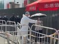 VIDEO: Ratusan Orang Antre Tes Corona di Beijing