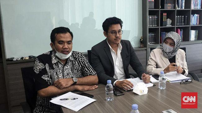 Kuasa Hukum Djoko Tjandra, Andi Putra Kusuma saat konferensi pers di kantornya di Jakarta, Rabu (1/7).