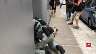 VIDEO: Demonstran Dibekuk Usai China Sahkan UU Hong Kong