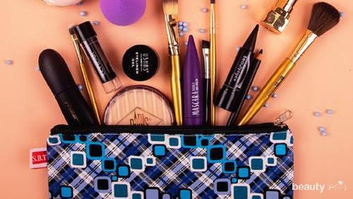 Biar Enggak Ribet, Ketahui Tips Makeup Ini untuk Travel