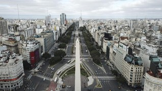FOTO: Kasus Corona Meningkat, Argentina Kembali Lockdown