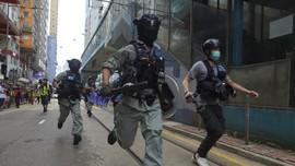Polisi Hong Kong Tangkap Demonstran Peringatan Pro-Demokrasi