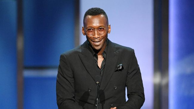 HOLLYWOOD, CALIFORNIA - JUNE 06: Mahershala Ali speaks onstage during the 47th AFI Life Achievement Award honoring Denzel Washington at Dolby Theatre on June 06, 2019 in Hollywood, California.   Kevin Winter/Getty Images for WarnerMedia/AFP 610265