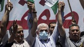 Palestinian Hamas leader in the Gaza Strip, Yahya Sinwar, center, attends a demonstration against Israeli plans for the annexation of parts of the West Bank, in Gaza City, Wednesday, July 1, 2020. (AP Photo/Khalil Hamra)