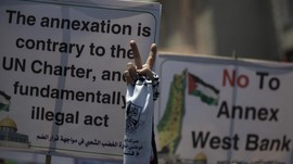 Israel Vaksin Pekerja Palestina untuk Permukiman Israel