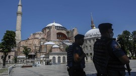 Erdogan Undang Paus Fransiskus Kunjungi Hagia Sophia