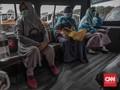 FOTO: Protokol Pencegahan Covid-19 di Dalam Angkot DKI
