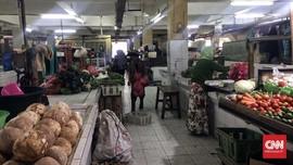 Pedagang Tak Patuh Protokol Kesehatan: Panas, Pembeli Sepi