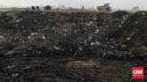 Aktivitas bongkar muat tanah/lumpur dikawasan reklamasi Ancol Timur. Jakarta, Sabtu, 4 Juli 2020. Gubernur Provinsi DKI Jakarta Anies Baswedan mengeluarkan Keputusan Gubernur Nomor 237 Tahun 2020 tentang seluas 35 hektar dan Kawasan Taman Rekreasi Taman Impian Ancol Timur Seluas 120 hektar yang ditandatangani pada 24 Februari 2020.