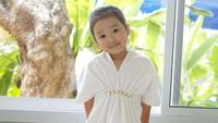 Anak pertama Ruben Onsu dengan Sarwendah ini sudah pandai berpose layaknya model, Bunda. (Foto: Instagram @sarwendah29)
