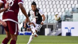 Ronaldo Patahkan Kutukan Gol Tendangan Bebas di Juventus