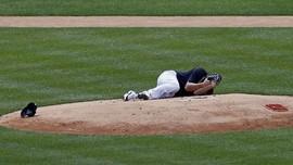 FOTO: Detik-detik Masahiro Tanaka Terhantam Bola Bisbol