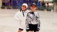 <p>Di tengah pandemi corona ini, kita doakan semoga Alana dan Alecia sehat selalu ya! (Foto: Instagram @ririndwiariyanti)</p>