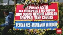 Balai Kota Anies Dibanjiri Karangan Bunga Kekecewaan PPDB DKI